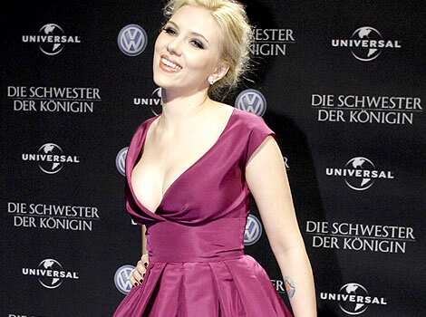 Actress Scarlett Johansson has won the Best Cleavage In Hollywood title beating Salma Hayek and Jessica Simpson,as per a poll by In Touch magazine. Plus size starlets