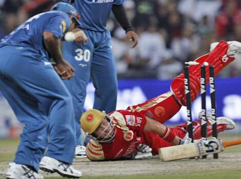RV der Merwe in action: Bangalore Royal Challengers