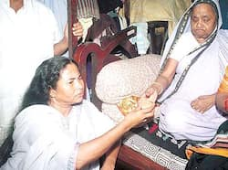 After finishing the poll battle, Mamata Banerjee is offered a cup of tea by her mother. Mamata in focus
