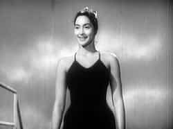 Nutan was the first mainstream actress to slip into a swimsuit for Dilli Ka Thug in 1958.  Bikini beauties: Bollywood
