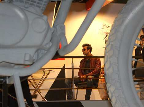 Bollywood actor Ranbir Kapoor during a visit to the Hero MotoCorp pavilion at the Auto Expo in New Delhi. HT Photo/Sonu Mehta Speed and glitz at Auto Expo