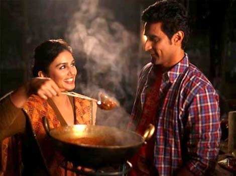 Luv Shuv Tey Chicken Khurana, directed by Sameer Sharma stars Kunal Kapoor and Huma Qureshi. Bollywood Release: Luv Shuv Tey Chicken Khurana