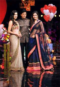 Shah Rukh Khan, Katrina Kaif and Anushka Sharma promote Jab Tak Hai Jaan at India's Got Talent. Jab Tak Hai Jaan trio at India's Got Talent