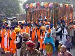 The Panj Pyaras head a massive nagar kirtan procession of Guru Teg Bahadur martyrdom day to Patiala on Friday. Bharat Bhushan/HT Region in pics