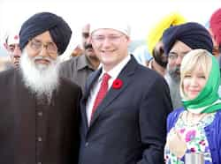 Punjab CM Parkash Singh Badal, Canadian Prime Minister Stephen Harper and his wife Laureen Harper outside of Gurdwara sahib, in Anandpur Sahib, Punjab. Hindustan Times Nov 8: Day in pics