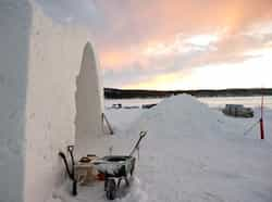The construction site of the new Ice Hotel, which gets a new design and is reconstructed every year, in the village of Jukkasjarvi, near Kiruna, in Swedish Lapland. (AFP Photo)