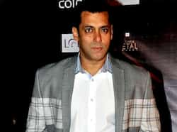 This year has been peaceful for Salman as far as controversies are concerned. The actor was infact spotted making peace with other co-stars. Oflate, Salman Khan is spotted hanging out with Abhishek Bachchan and the two had a warm chat at a recent party, even though Aishwarya was around. Salman Khan