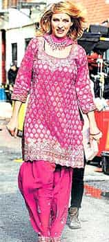 Uma Thurman loves wearing the Salwar Kameez, especially home. This versatile actress has donned many avatars. Here