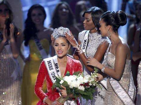 Miss USA Olivia Culpo reacts as she is crowned by Miss Universe 2011 Leila Lopes of Angola during the Miss Universe pageant at Planet Hollywood Resort and Casino in Las Vegas, Nevada on December 19. (Reuters Photo) BEAUTEOUS! Miss USA wins Miss Universe pageant