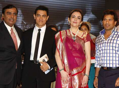 The happy group (L-R) Mukesh Ambani, Aamir Khan, Nita Ambani and Sachin Tendulkar. SPOTTED! Aamir Khan at an awards function