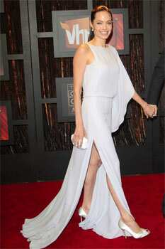 Jolie showed off her legs in a grey gown at a VH1 event. The