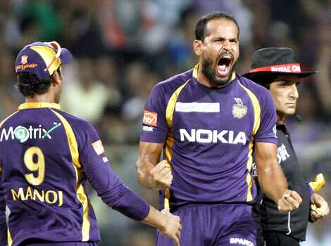 Yusuf Pathan of KKR celebrates the wicket of Dilshan of RCB at Eden Gardens. HT/Subhendu Ghosh Kolkata thrash Bangalore