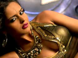 Indo-Brazilian beauty Nathalia Kaur sizzles as Cheeni in Ram Gopal Verma