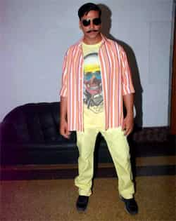 Akshay Kumar promotes the film in his character. Akshay Kumar promotes Rowdy Rathore
