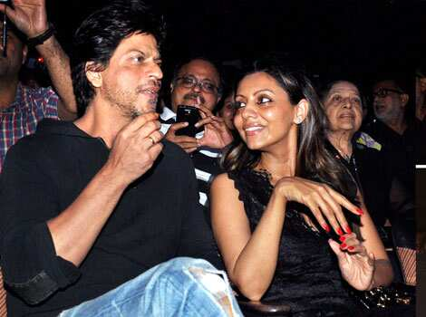 Shah Rukh Khan caught in a candid moment with wife Gauri Khan at Shiamak Davar