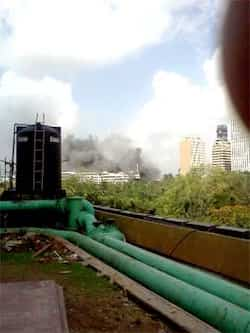 Fire at Mumbai Mantralaya broke out at around 3pm. Twitter/@forwardshortleg Mumbai Mantralaya on fire