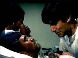 Anand, one of the most-loved movies of Kaka, starred Rajesh Khanna and Amitabh Bachchan in lead roles and Rajesh Khanna played the title role. Directed by Hrishikesh Mukherjee, the movie is about a cancer patient(Khanna) who believes in living his life to the fullest. Rajesh Khanna, superstar of romance
