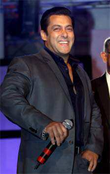 Sallu gets jolly during the event.  SPOTTED! Salman, Nargis at an awards function