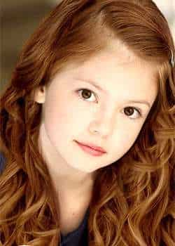 Mackenzie Foy will be seen playing the role of Bella and Edward