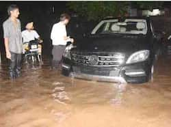 Heavy rain that lashed Chandigarh brought to the fore the ill-preparedness of the municipal Corporation authorities.(HT photo) Region in pics