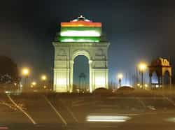 Three colours of the Indian flag illuminate India Gate after the Beating Retreat ceremony in New Delhi. (HT Photo/Sonu Mehta) Beating the retreat