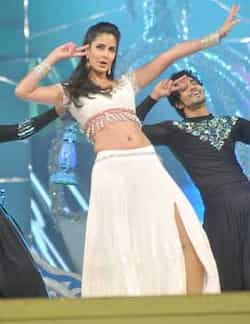 Katrina Kaif performs at Umang 2013. SPOTLIGHT: Bollywood stars shine at Umang