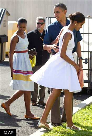 http://www.hindustantimes.com/Images/HTEditImages/Images/Michelle-Obama-Christmas.jpg
