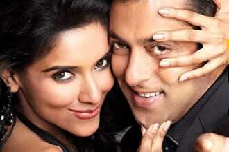 https://www.hindustantimes.com/Images/HTEditImages/Images/Salman-Asin-Ready.jpg
