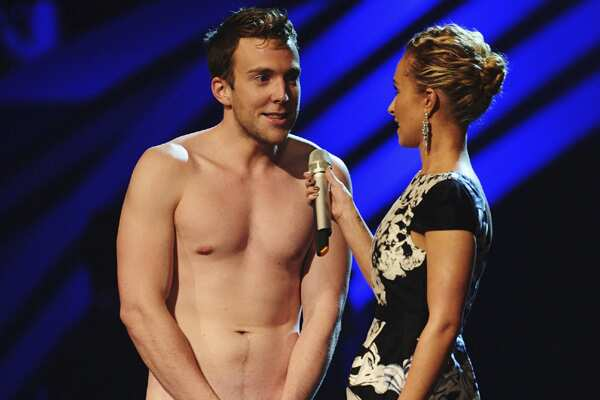 http://www.hindustantimes.com/Images/HTEditImages/Images/Streaker-at-EMAs.jpg