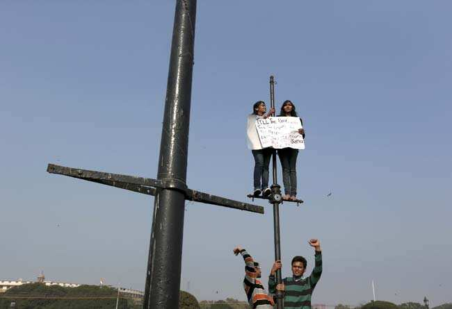 http://www.hindustantimes.com/Images/Popup/2012/12/Protest01.jpg