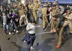 http://www.hindustantimes.com/Images/Popup/2012/12/Protest04.jpg
