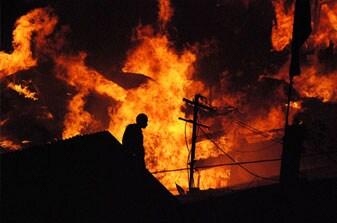 https://www.hindustantimes.com/Images/Popup/2012/4/fire.jpg