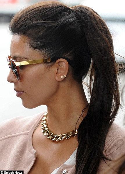 http://www.hindustantimes.com/Images/Popup/2012/4/kim-kanye-earrings.jpg