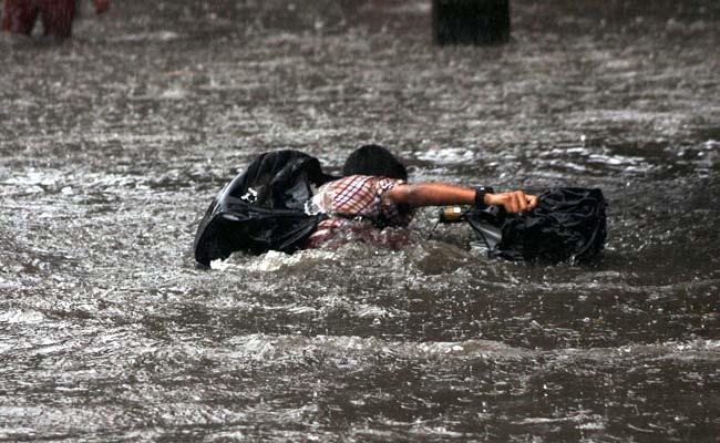http://www.hindustantimes.com/Images/Popup/2012/9/mumbairain.jpg