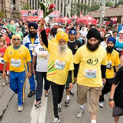 https://www.hindustantimes.com/Images/Popup/2014/1/Fauja-Singh-Marathon-Runnerlive_compressed.jpg