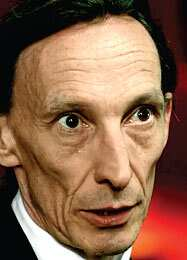 http://www.hindustantimes.com/Images/popup/2013/10/JulianRichings.jpg