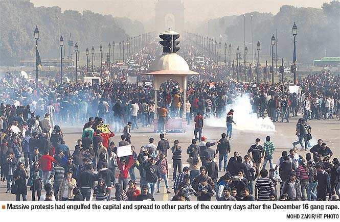 http://www.hindustantimes.com/Images/popup/2013/12/Massive_protests_new.jpg