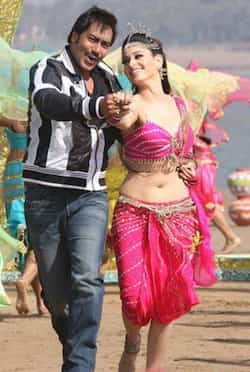 http://www.hindustantimes.com/Images/popup/2013/3/Himmatwala-song.jpg
