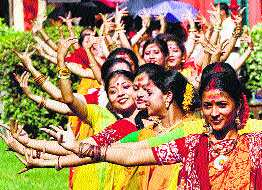 https://www.hindustantimes.com/Images/popup/2013/3/Rajasthan-Holi.jpg