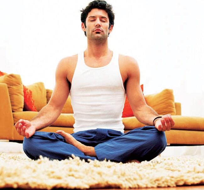 https://www.hindustantimes.com/Images/popup/2013/6/Yoga650.jpg