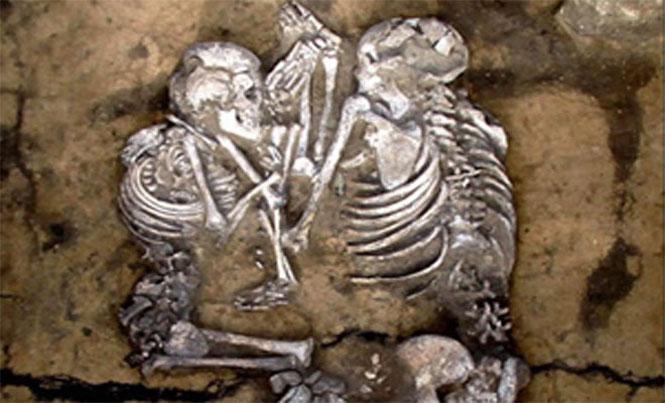 https://www.hindustantimes.com/Images/popup/2014/1/burial.jpg