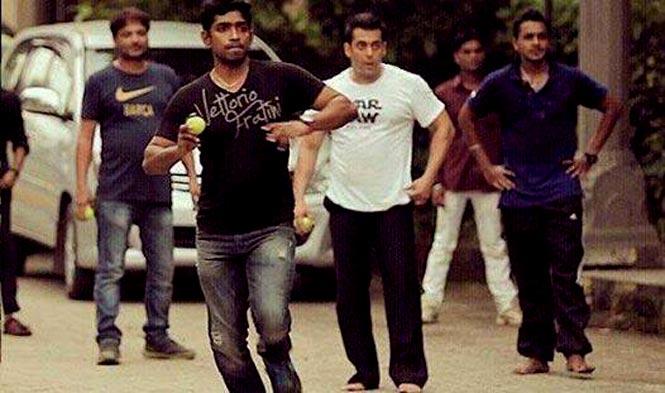 https://www.hindustantimes.com/Images/popup/2014/10/SalmanPremRatanDhanPayo.jpg