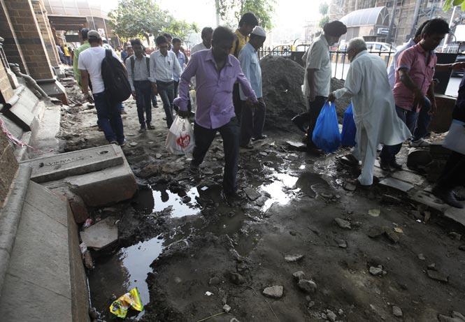 http://www.hindustantimes.com/Images/popup/2014/11/Mumbai_CST_After.jpg