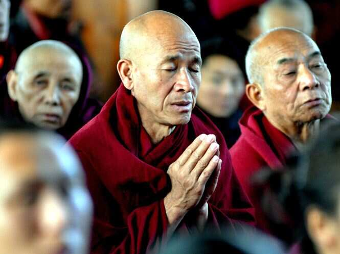 http://www.hindustantimes.com/Images/popup/2014/12/DalaiLama22_compressed.jpg