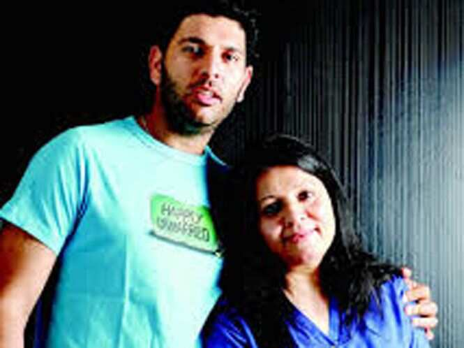 https://www.hindustantimes.com/Images/popup/2014/12/yuvrajsinghwithhismother_compressed.jpg