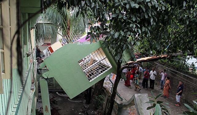 http://www.hindustantimes.com/Images/popup/2015/4/eartjquake3.jpg
