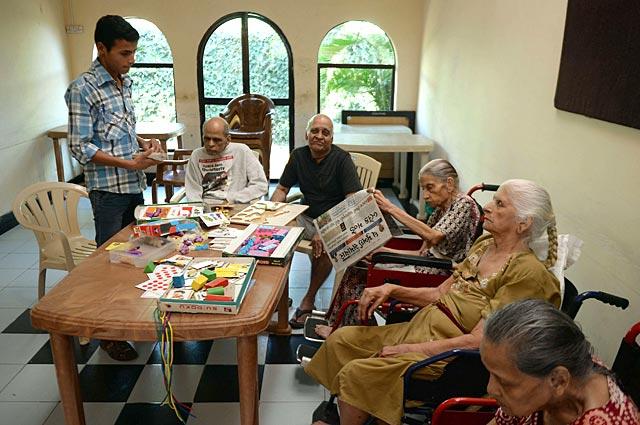 http://www.hindustantimes.com/Images/popup/2015/4/senior4.jpg