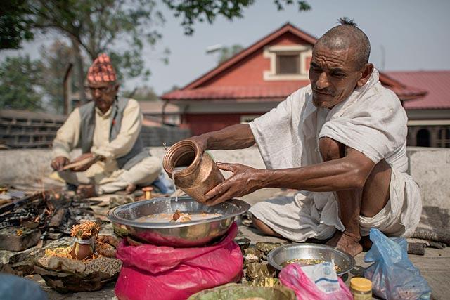 https://www.hindustantimes.com/Images/popup/2015/5/Nepal_2_may.jpg