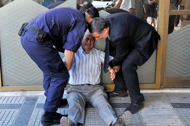 http://www.hindustantimes.com/Images/popup/2015/7/greece-pensioner-2.jpg
