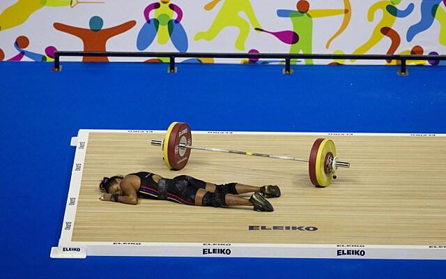 http://www.hindustantimes.com/Images/popup/2015/7/weightlifter4.jpg